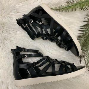 G by Guess Womens Open Toe Sandals, Black Size 6